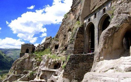Varzia Monasterio2