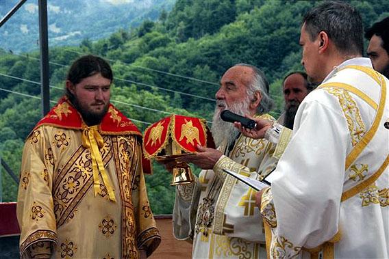 jul-2014-liturgija-na-sedamdesetogodisnjicu-genocida-u-velici-12