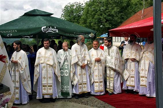 jul-2014-liturgija-na-sedamdesetogodisnjicu-genocida-u-velici-4