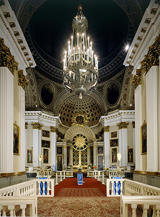 interiors-of-alexander-nevsky-monastery-in-st-petersburg