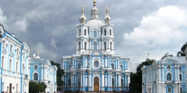 la catedral de smolny en san peterburgo