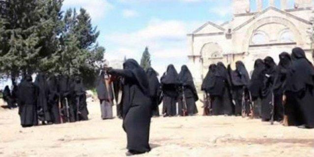 EI adiestra mujeres en ruinas monasterio san simeón el estilita